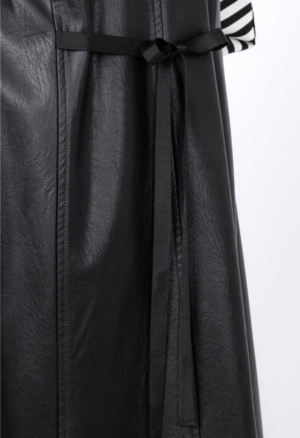 코트 모델 착용 이미지-S1L11